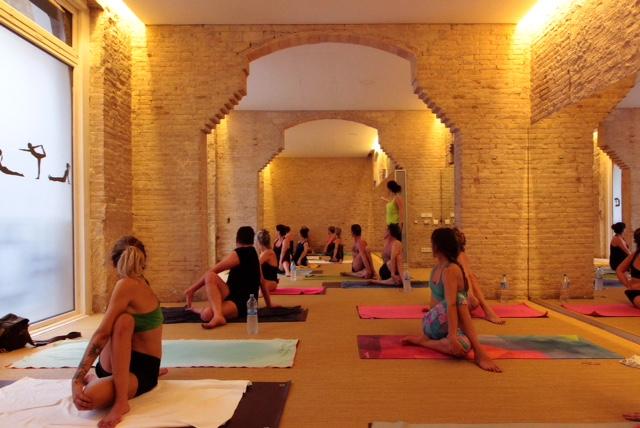 bikram_yoga_estudio_centro