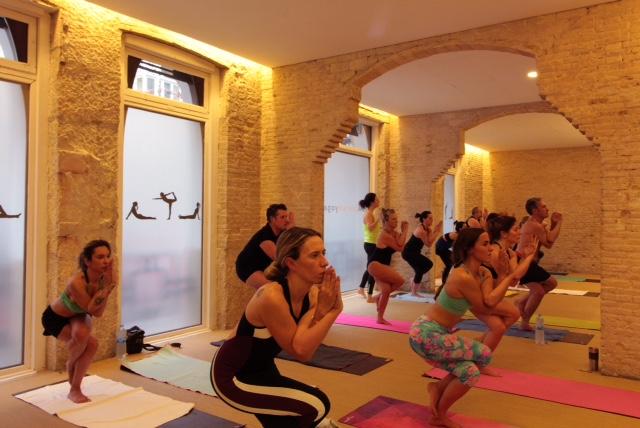 bnikram_yoga_valencia_canovas